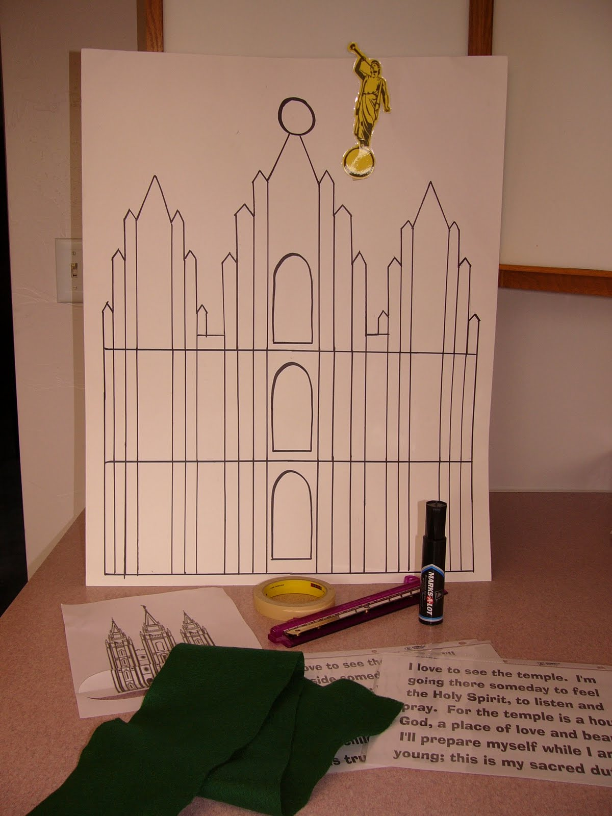 Camille's Primary Ideas: I Love To See the Temple Singing Time Lesson Plan Idea Pinning Moroni on the Temple