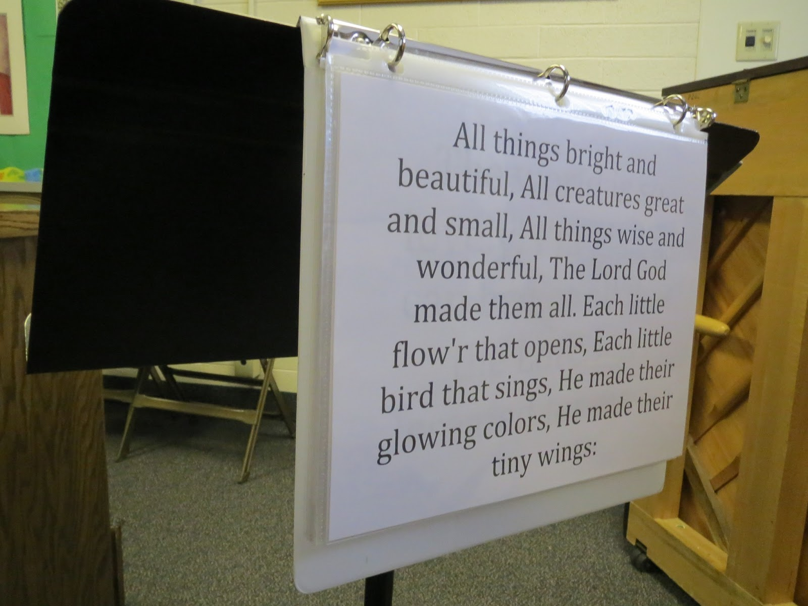 Camille's Primary Ideas: Help children and teacher sing by posting the words in singing time during your lesson plan